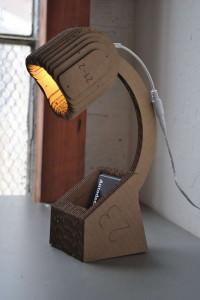corrugated-cardboard-desk-lamp