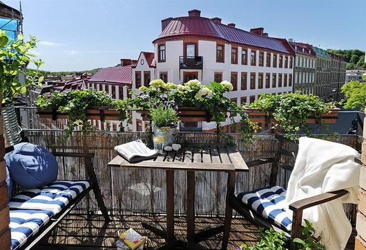 Idee e consigli per arredare il balcone di casa vogliacasa for Arredo balcone