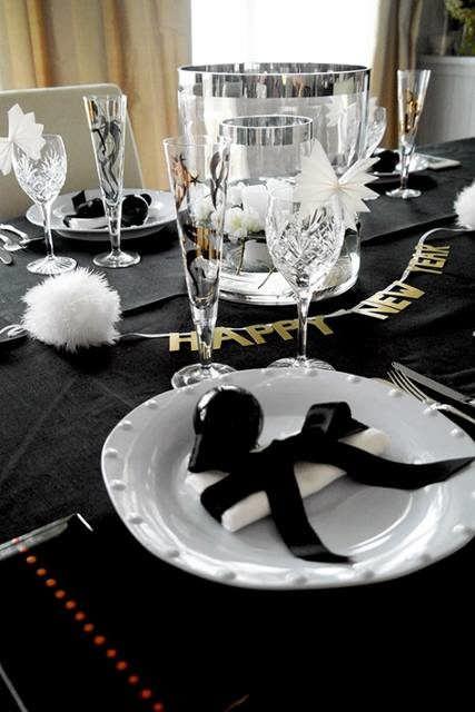 Allestimento Tavolo Bianco E Nero.Capodanno Decorazioni In Bianco E Nero Vogliacasa