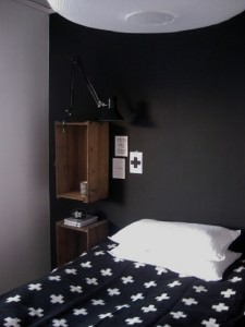 crates-as-bedside-tables-2
