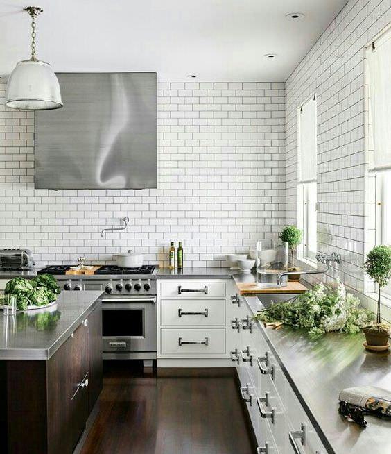 Awesome Cucina Senza Pensili Pictures - Idee Arredamento Casa ...