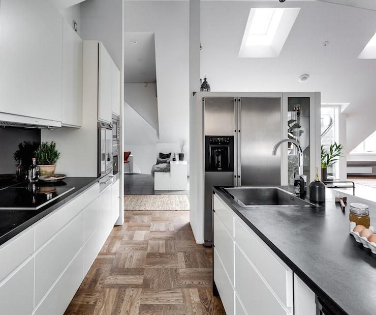 Arredamento sobrio essenziale ma elegante una casa a for Casa essenziale