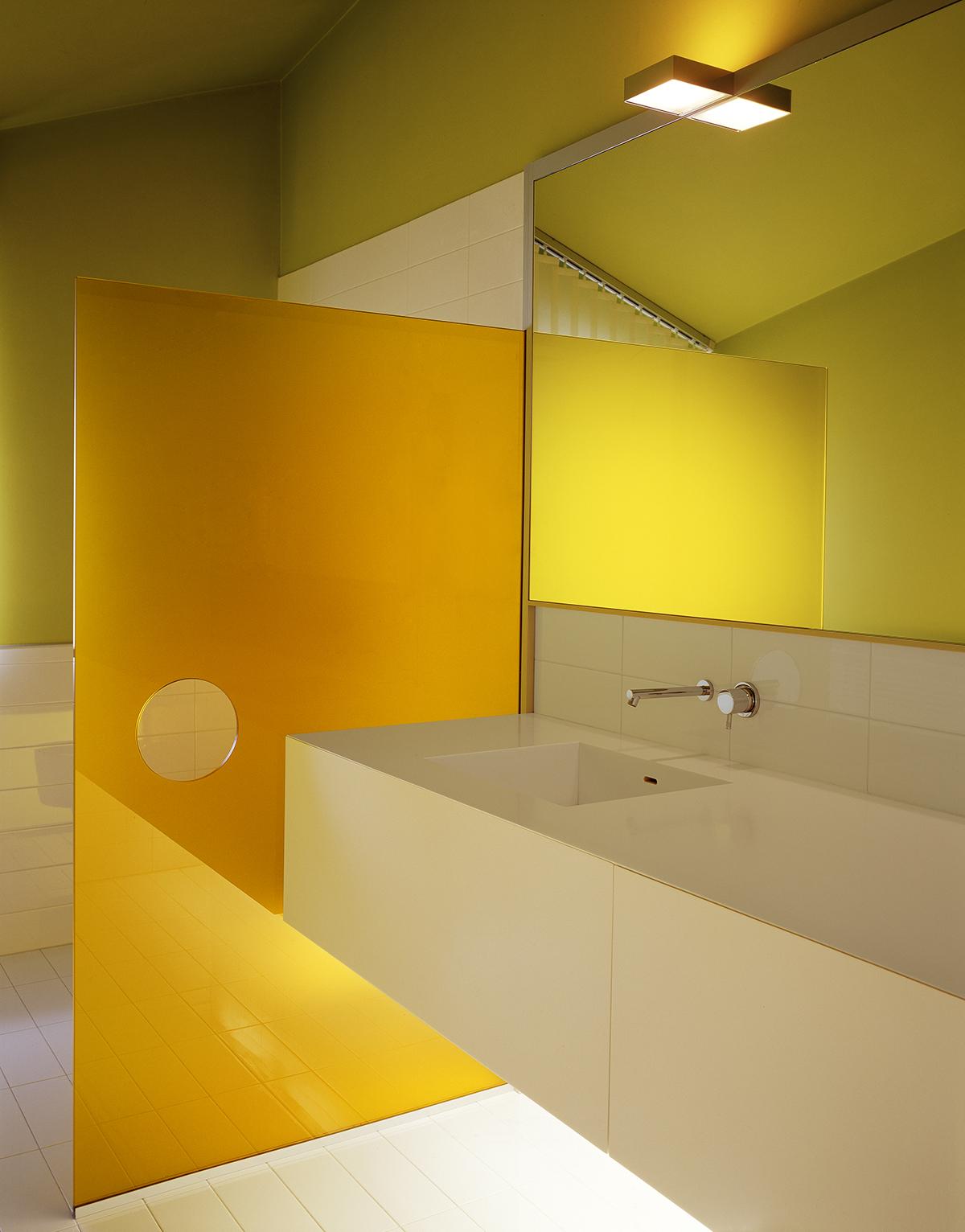 Da edificio industriale a loft abitativo: l'ambiente bagno è firmato Ritmonio.